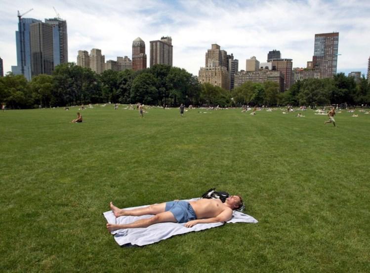 É uma questão de igualdade: em Nova Iorque as mulheres podem fazer topless