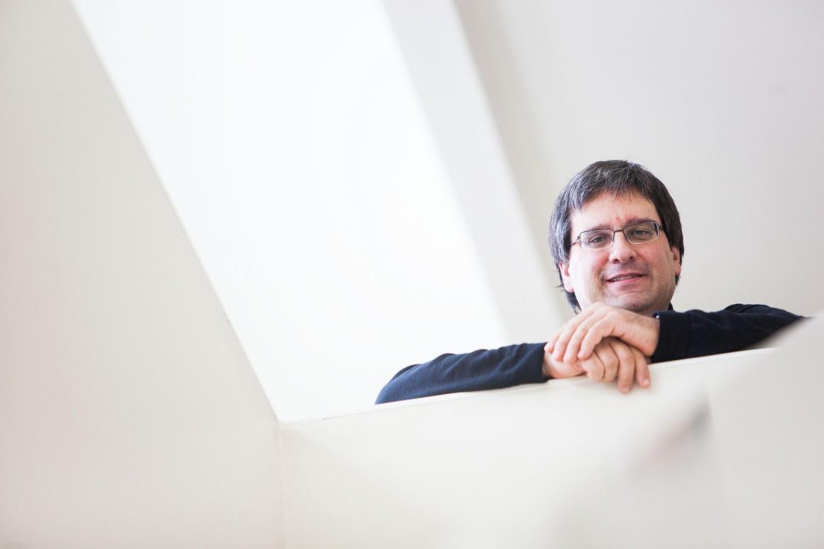 As peripécias de um matemático português que inventou um pseudo-artigo científico